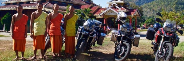 2376x878-0-547-866x320-monks-with-motorbikes-in-mae-hong-son_2