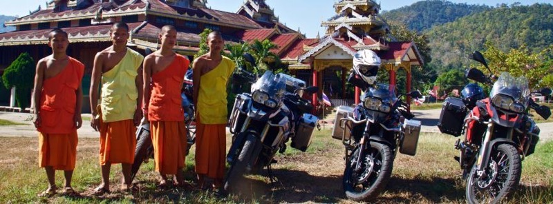 2376x878-0-547-866x320-monks-with-motorbikes-in-mae-hong-son